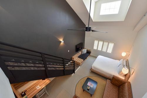 02 - Family Suite - Loft View